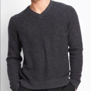Vince Men's Gray Cashmere V-neck Size XL NWT $395